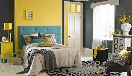 ліжко з бірюзовим узголів`ям