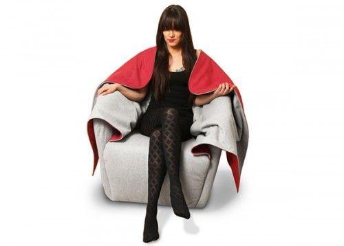 Австрійський дизайнер придумала затишне крісло з ковдрою