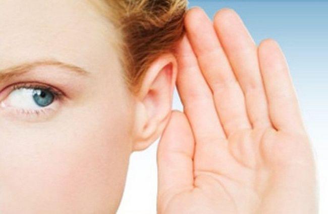 Чим і як лікувати вухо при застуді?