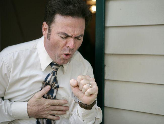 Чим краще лікувати алергічний кашель?