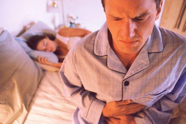 Що таке грижа стравоходу: її симптоми і лікування