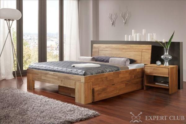 Проста і оригінальне ліжко з масиву