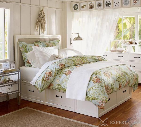 Дерев`яне ліжко в стилі «прованс» з ящиками для зберігання білизни