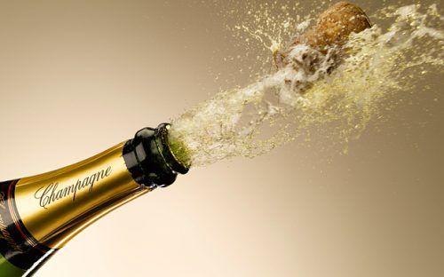 Пляшка шампанського