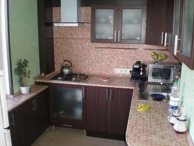 Практична кухонні меблі
