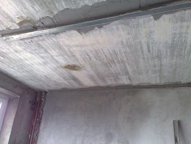 підготувати стелю під фарбування
