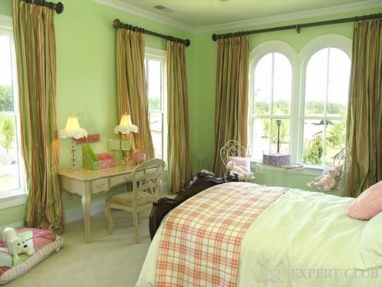Які штори підійдуть до зелених шпалерах? Поради та рекомендації