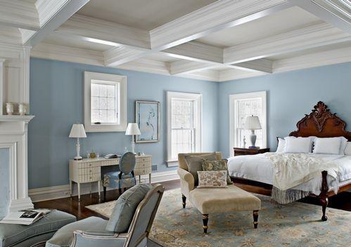 кесонна стеля в класичній спальні