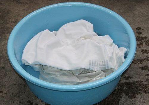 Ручне прання білого одягу