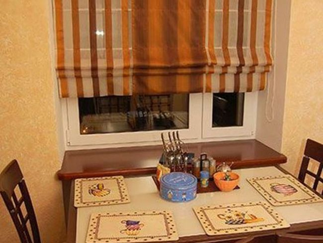 Розкішні римські штори з принтом