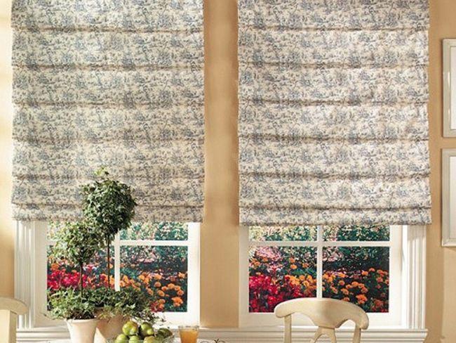 Види римських штор на кухню