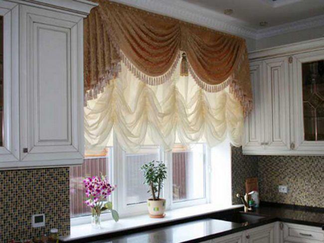 Римські штори в кухонному інтер`єрі