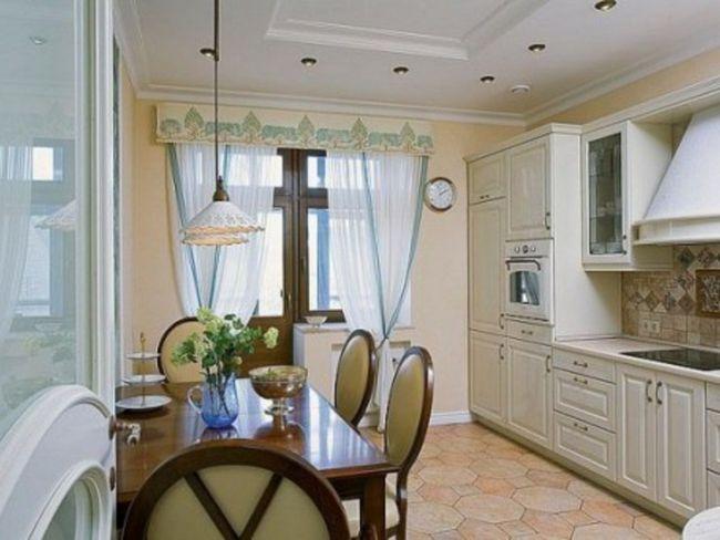 Світлі штори для кухні