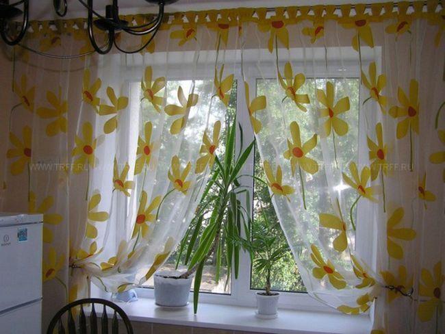 Тюлеві штори на кухню
