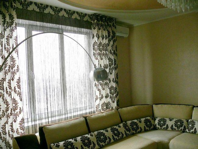 Текстильні штори з ниток